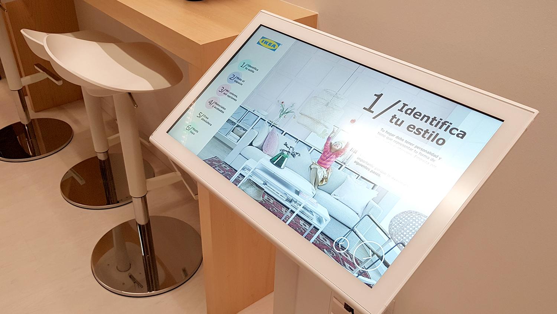 ikea-hub-living-room-pantalla-interactiva-Aumentaty-solutions-tech-as-experience