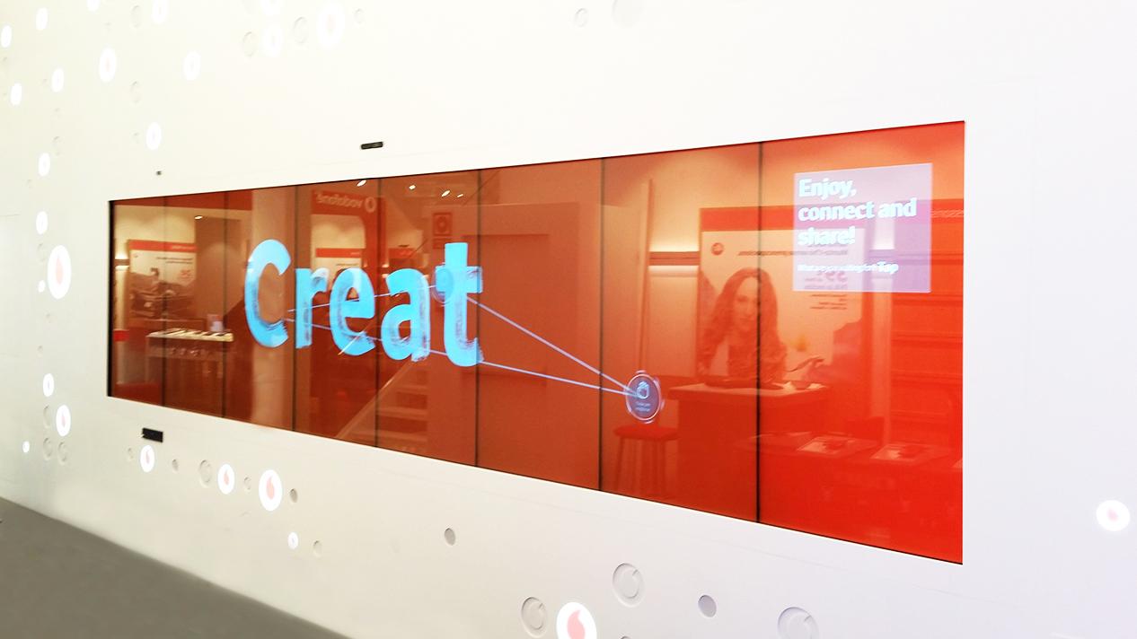 vodafone-technologhy-as-experience-Muro-interactivo-Aumentaty-Solutions-tecnología-inmersiva