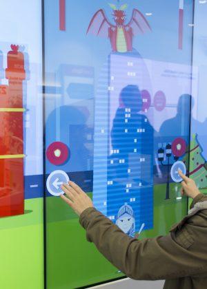 Muro multitáctil Vodafone | Aumentaty